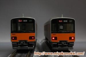 東武50070系テールライト交換